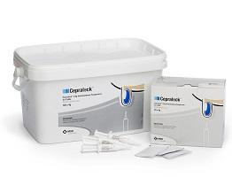 Image of Cepralock intramammary syringes next to the cardboard carton and bucket with teat wipes